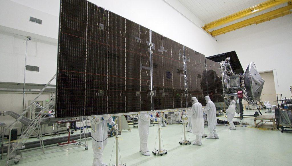solar-panels-2019323_1280
